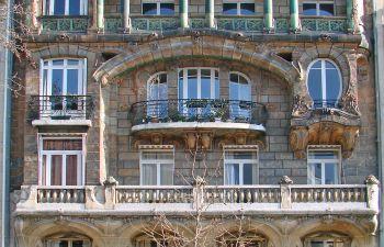 Balade architecturale au cœur du 16ème: Découverte de l'Art Nouveau et l'Art Moderne