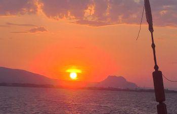 Sortie en mer et apéritif au coucher du soleil