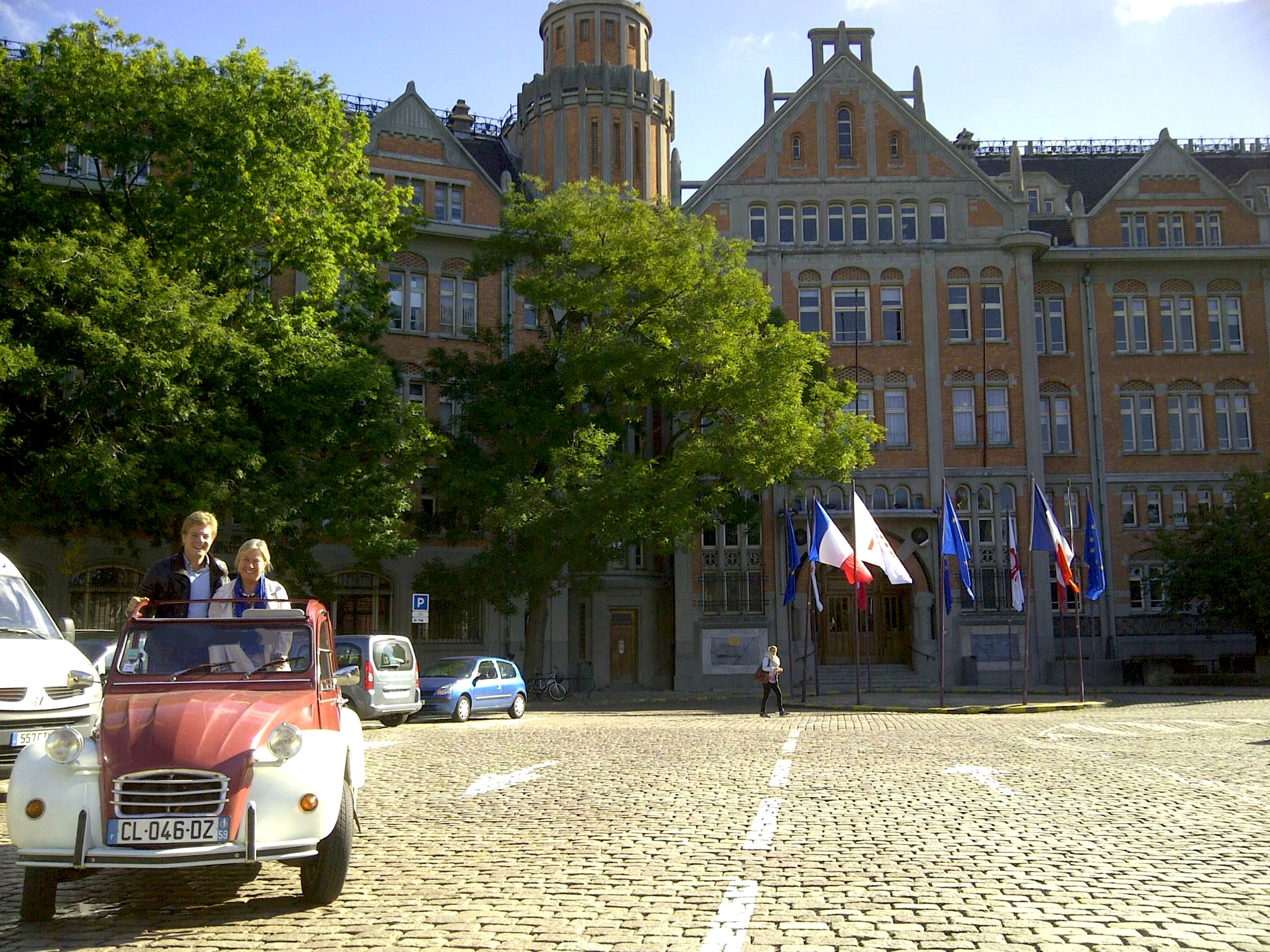 private city tour of lille in a vintage citroen 2cv and